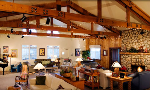 The Lodge at Oak Creek Canyon - hamayareeveyoga.com - photo: http://oakcreeklodge.com